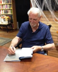 Clive Cussler signs Mirage at the Poisoned Pen Bookstore in Scottsdale, AZ